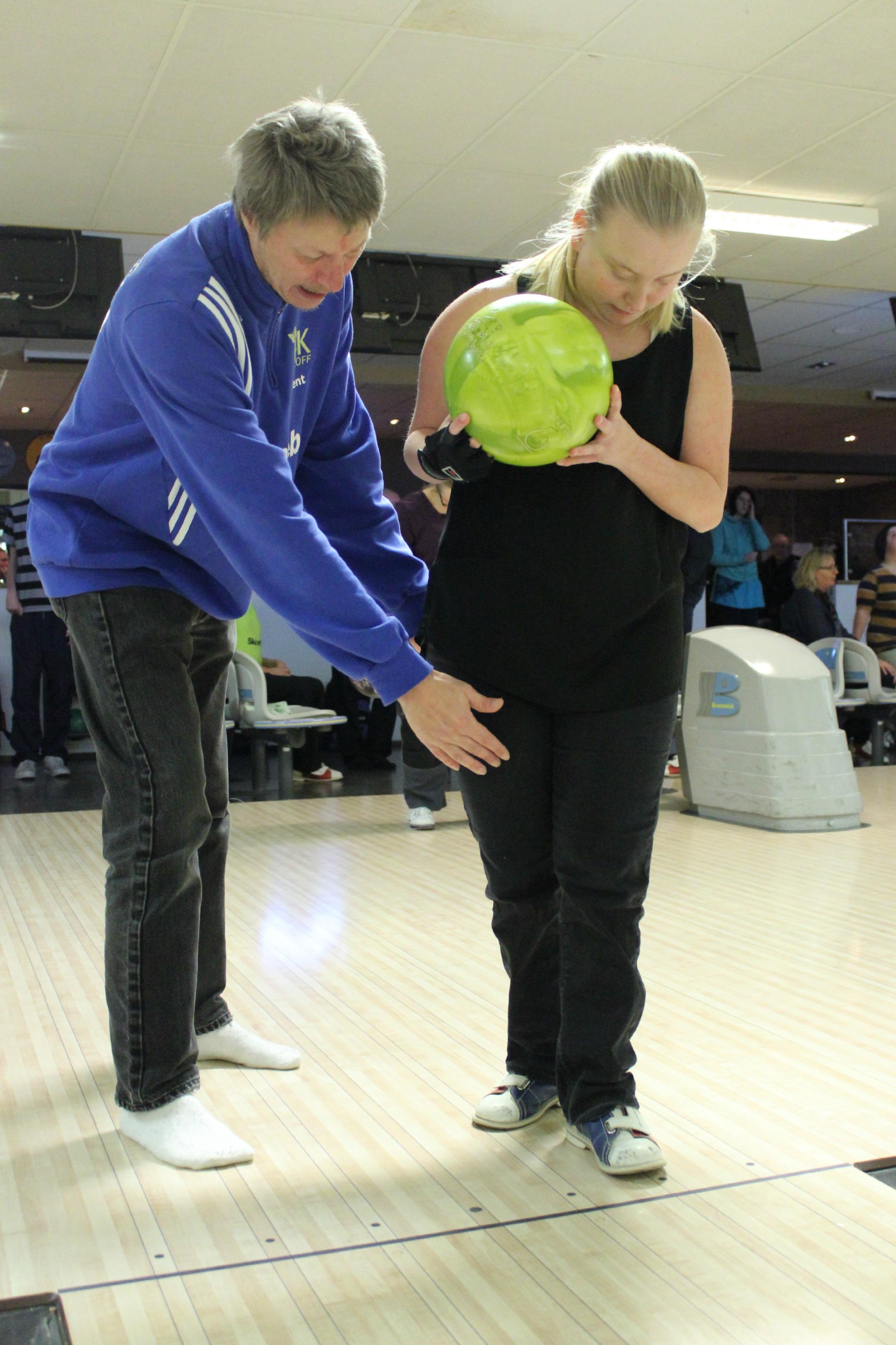 bowling-karin-kent